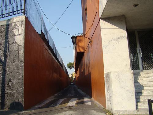turismomacabro-el-callejon-del-diablo0